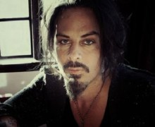 "Richie Kotzen New Song/Video ""Riot"""