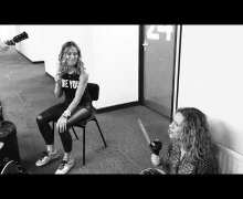 "Sheryl Crow ""Wouldn't Want To Be Like You"" Acoustic Version – VIDEO"