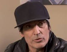 """Tommy Lee Says He Was """"Aggressively Asked To Leave"""" Emeril's New Orleans Restaurant"""