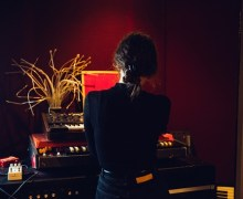 """Daughter: """"Working On New Things"""" – Music/Album/Song NEWS 2019-2020"""