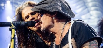 "Aerosmith w/ Johnny Depp Las Vegas 2019 ""Toys in the Attic"" VIDEO"