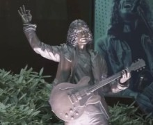 Chris Cornell Statue Vandalized @ Museum of Pop Culture in Seattle