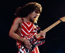 "Joe Satriani Pays Tribute to Eddie Van Halen: ""He was the greatest guitarist of my generation"""