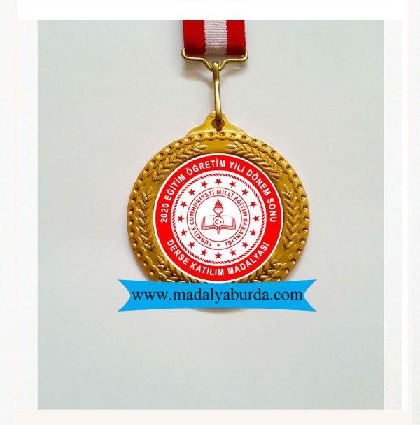 dönem-sonu-derse-katılım-madalyası