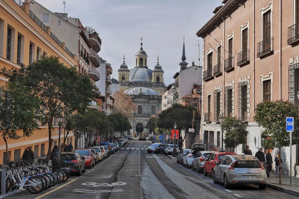 Madrid looking very regal on my Sunday walk in La Latina.