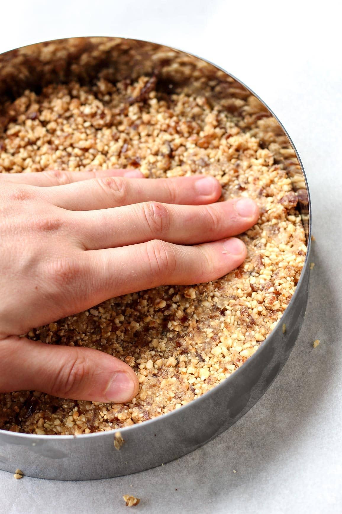 Vegan No-Bake Chocolate Pear Tart