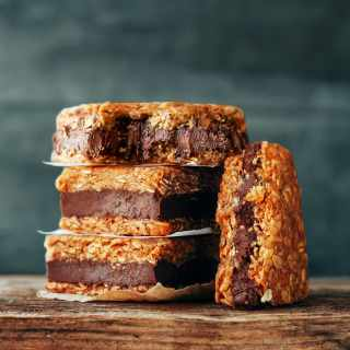 Chewy Nutella Oatmeal Cookie Bars (Vegan + GF)