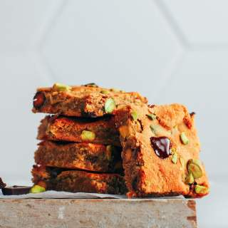 Pistachio & Chocolate Blondies (Vegan, GF, Paleo)
