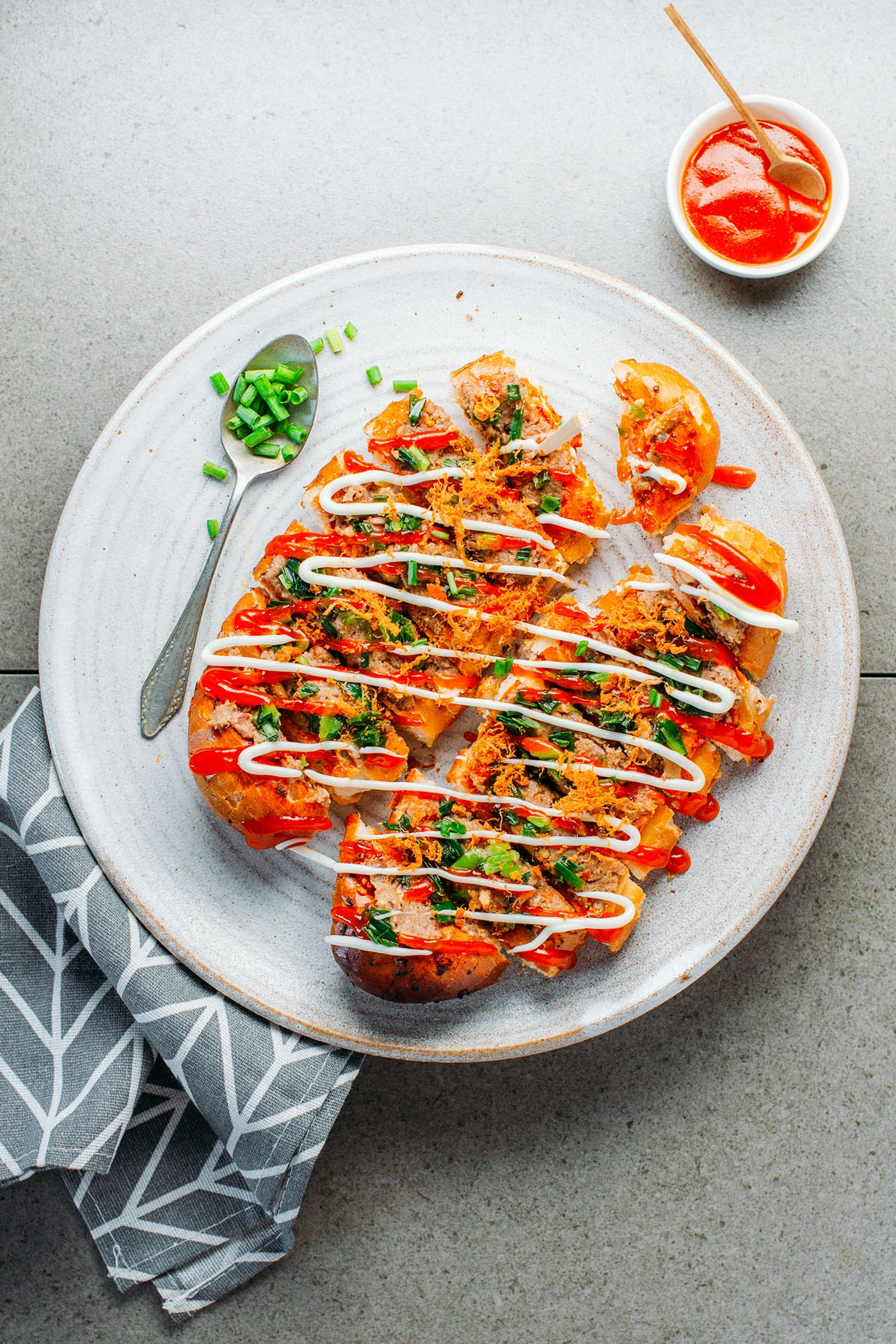 Spicy Vietnamese Grilled Bread (Vegan)