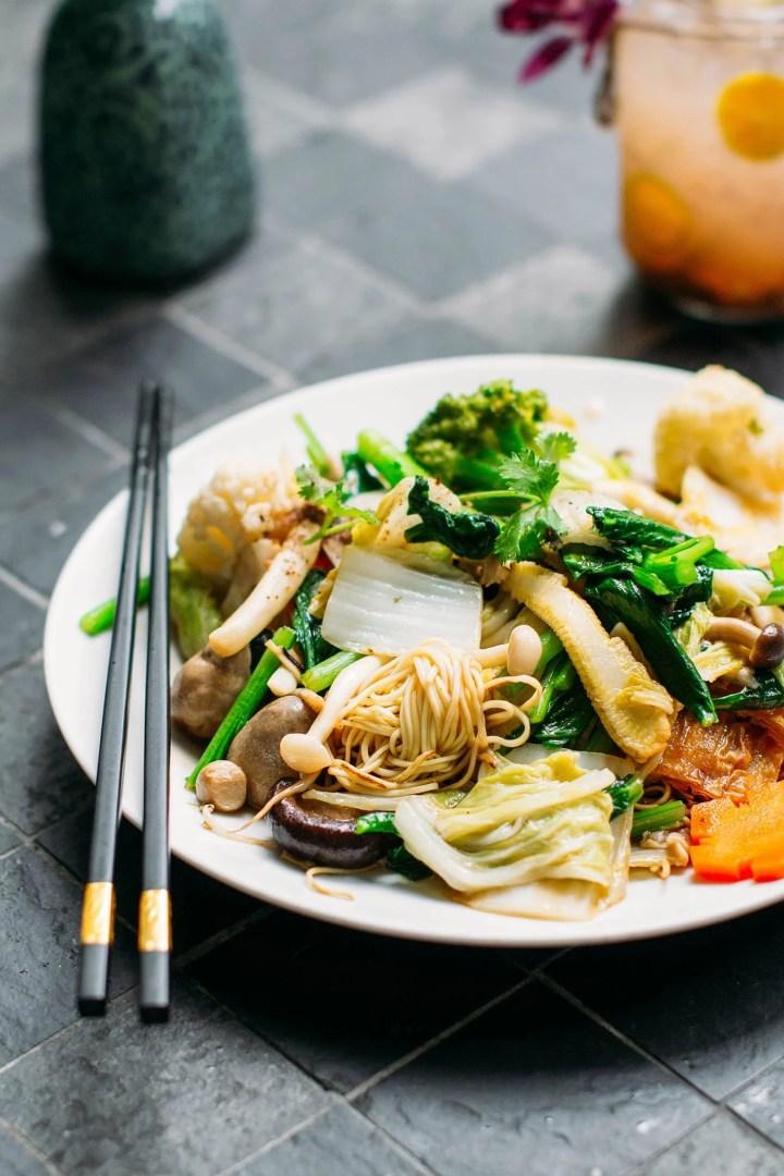 A Guide to Eating Vegan in Viet Nam - Mì Xào