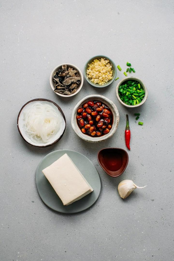 White tofu, vermicelli, soybean sauce, black mushrooms, and lemongrass.