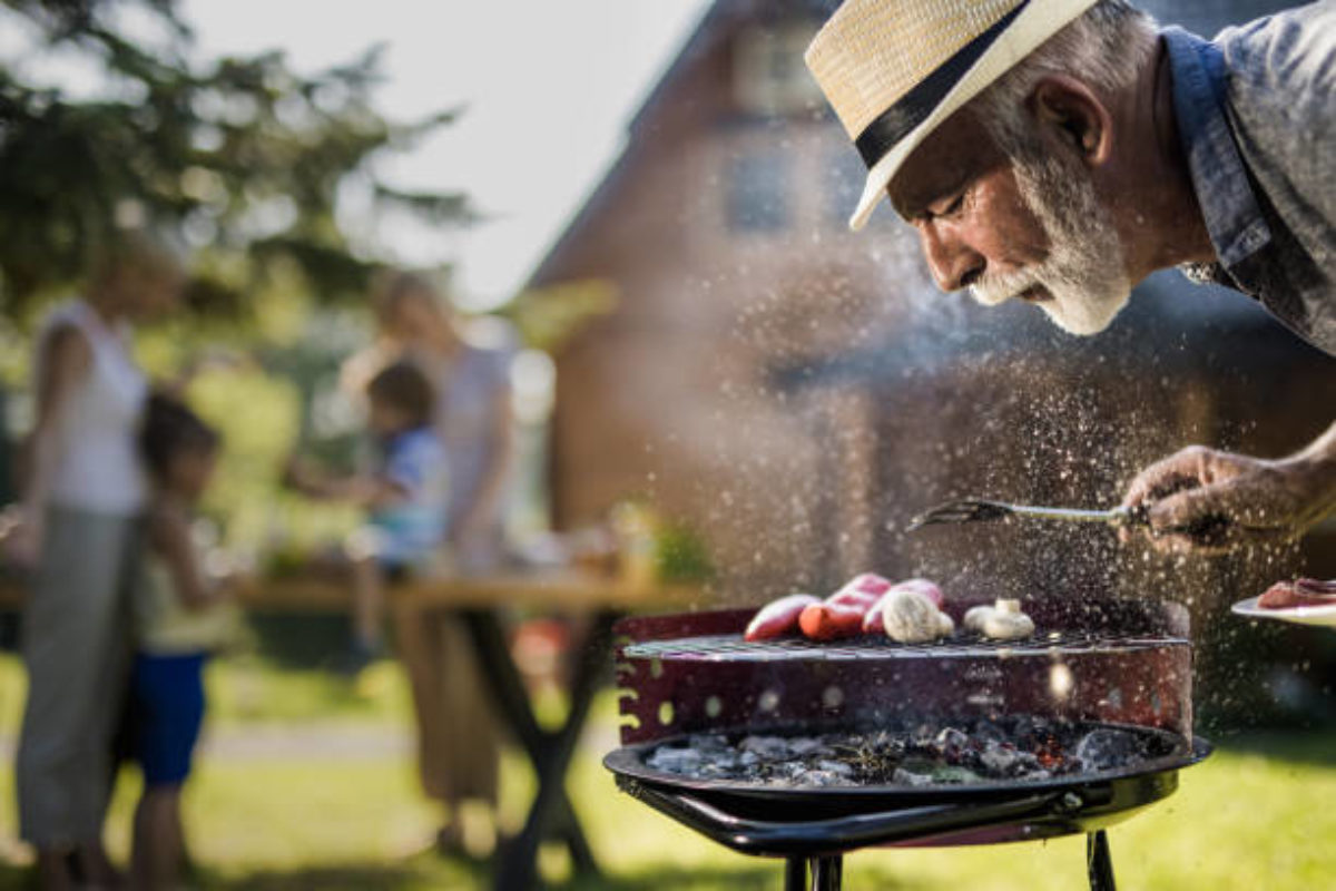 how to light a charcoal grill the right way or less crazy way