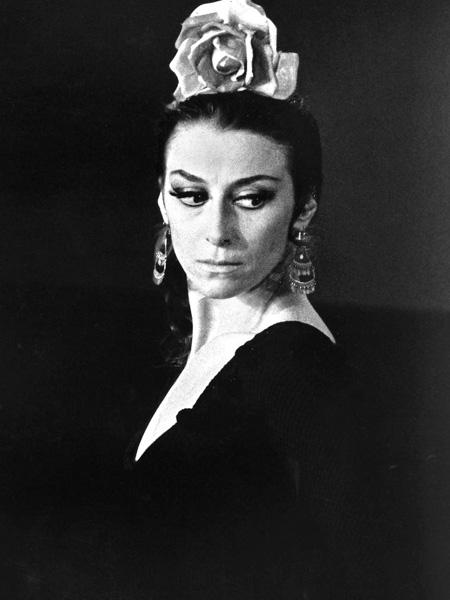 8. Майя Плисецкая – знаменитая артистка балета, прима-балерина. Умерла: 2 мая 2015 г.