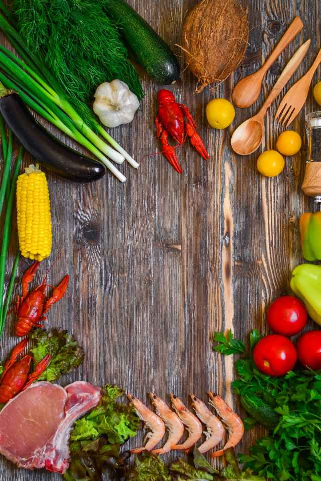 Many diets favor consumption of nutrient-dense, unprocessed foods, particularly complex carbohydrates, lean proteins, and healthy fats.