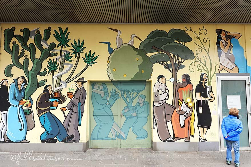 Passage comic mural painting in Antwerp