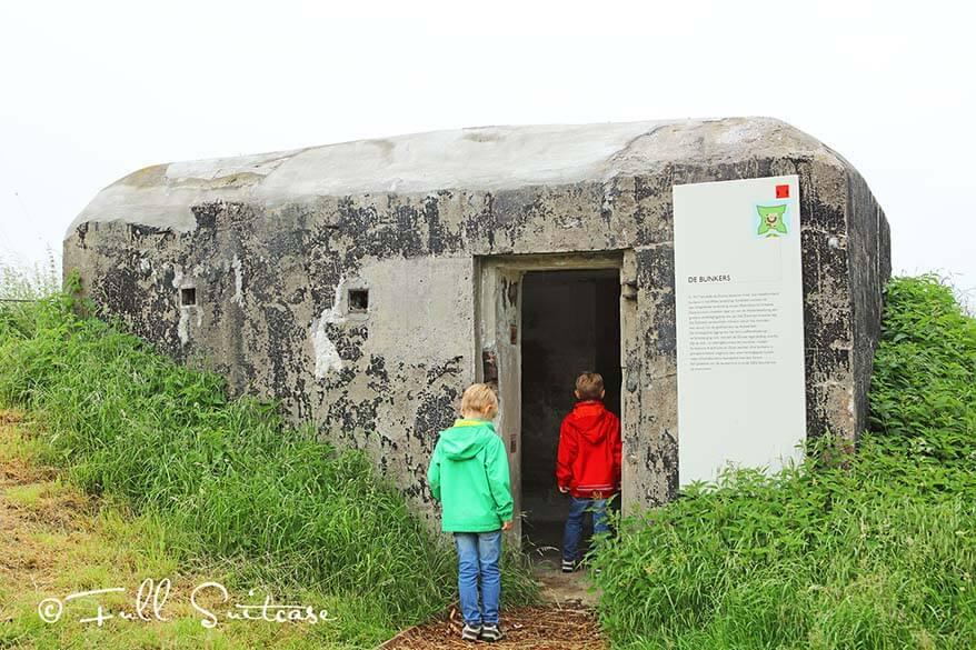 Kids visiting WWI bunkers in Fort Liefkenshoek, Belgium