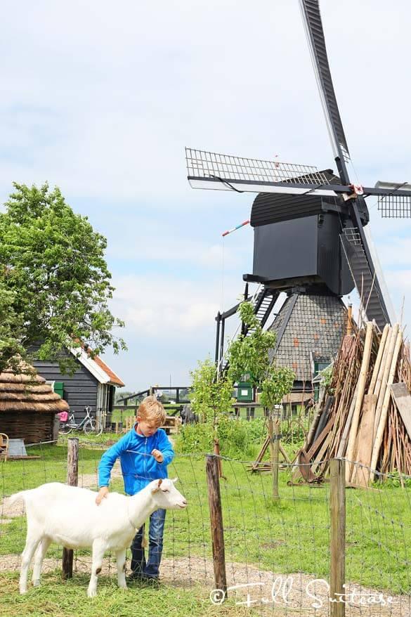Kinderdijk - visiting historic windmills with children