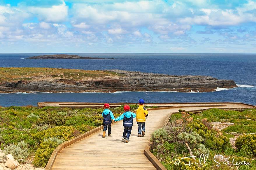 Kids hiking to Admirals Arch on Kangaroo Island