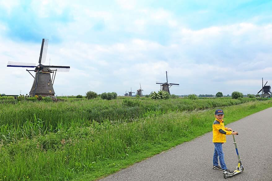Visiting Kinderdijk windmills in the Netehrlands with kids