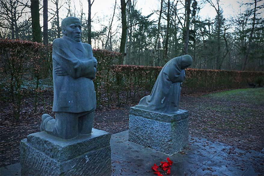 The grieving parents - Vladslo German war cemetery