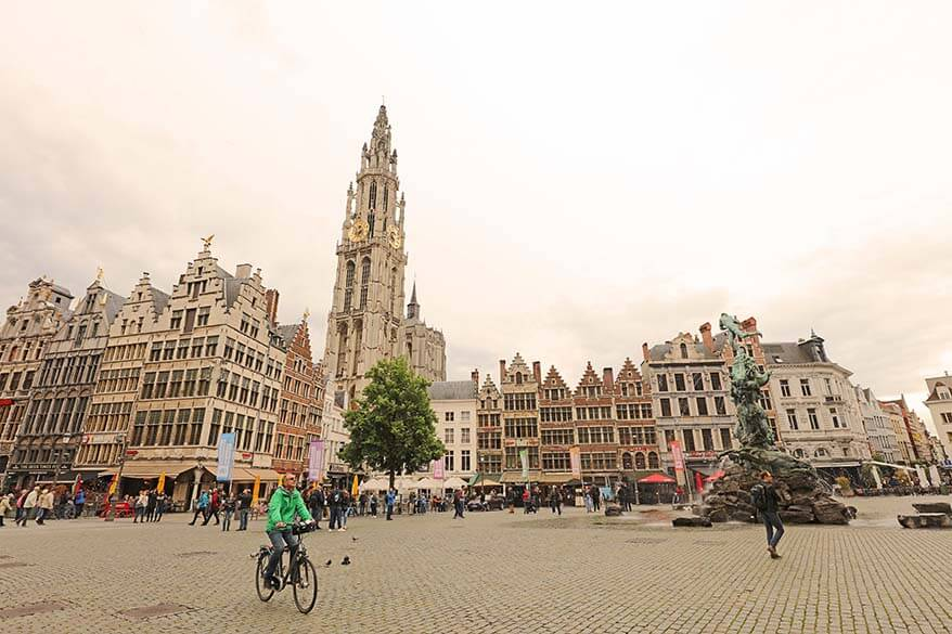 Discover Antwerp by bike