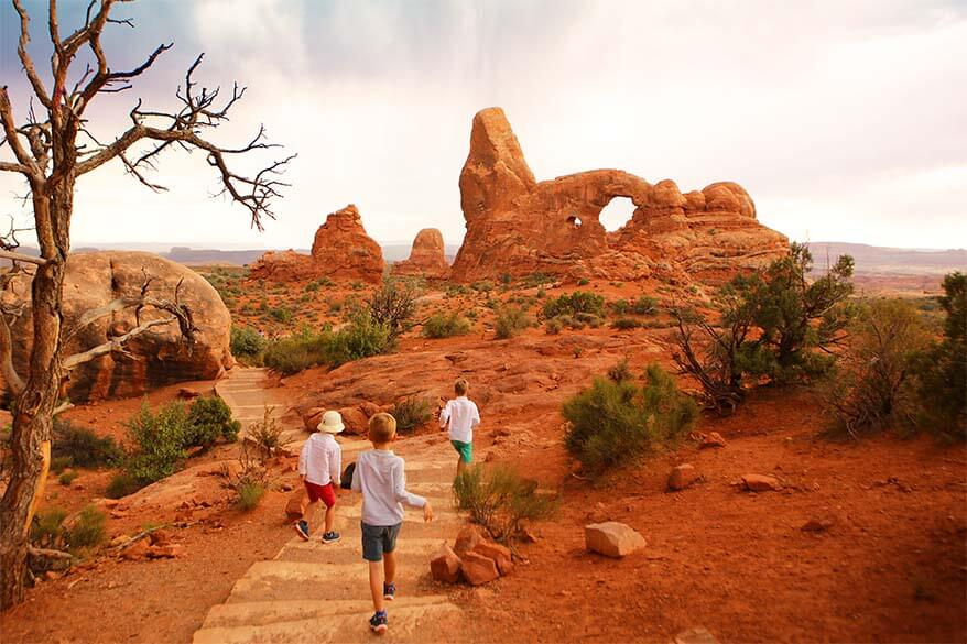 Hiking to Turret Arch in Arches NP with kids