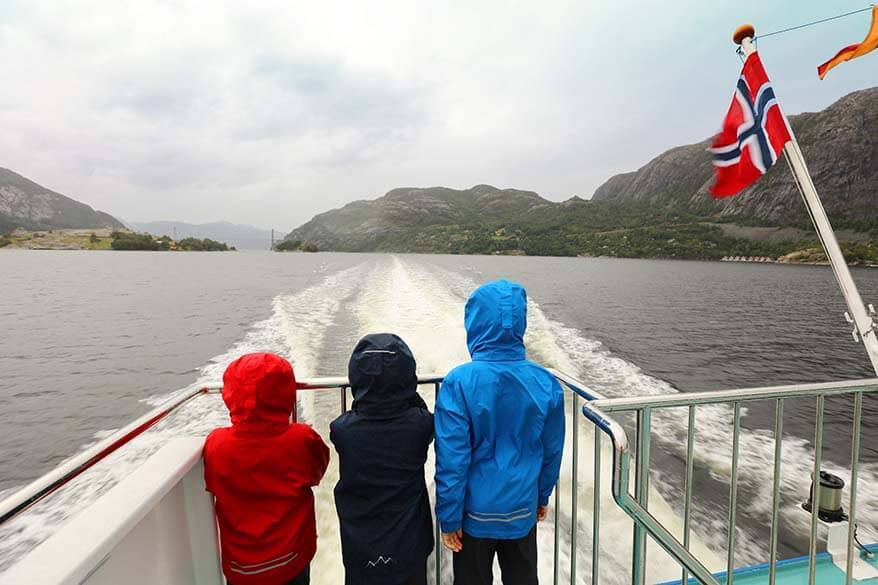 Lysefjord cruise with kids
