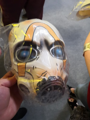 First freebie of the day? A Borderlands 3 Psycho Mask