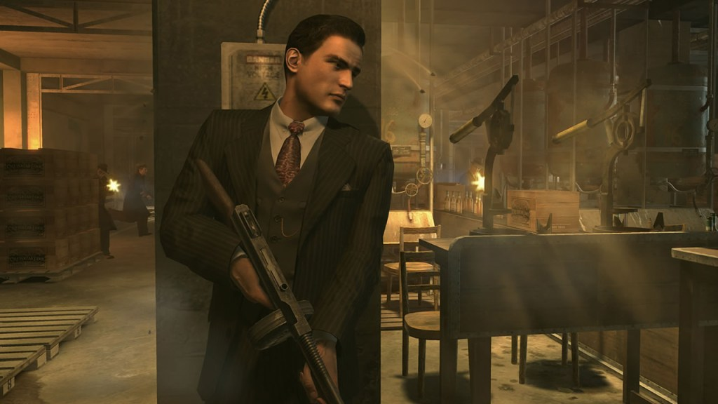 Mafia II gameplay hiding behind a post holding a gun ready to pop out and fire