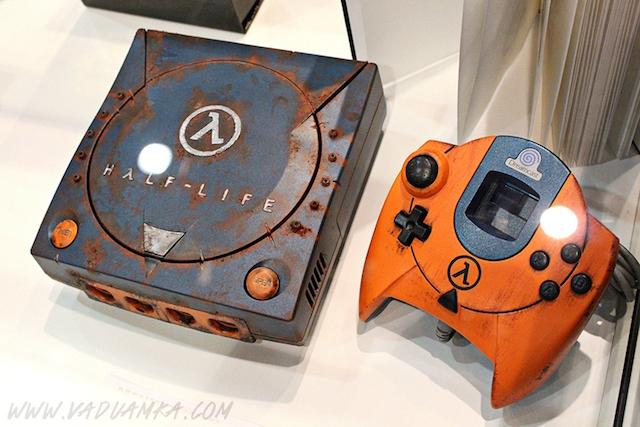 Half-Life custom painted Dreamcast