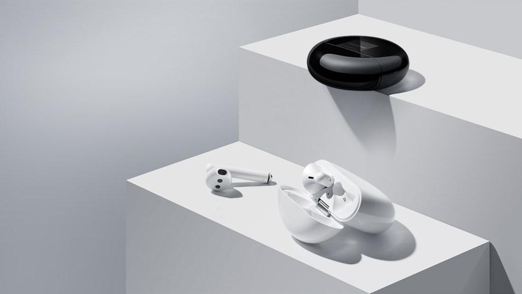 Huawei FreeBuds 3 white and black