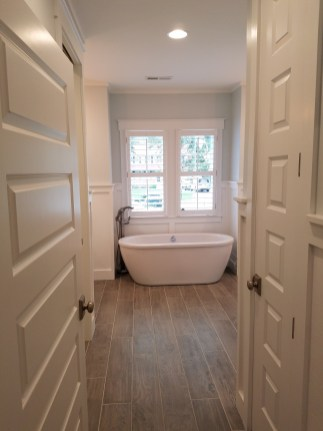 shutters-over-tub-2