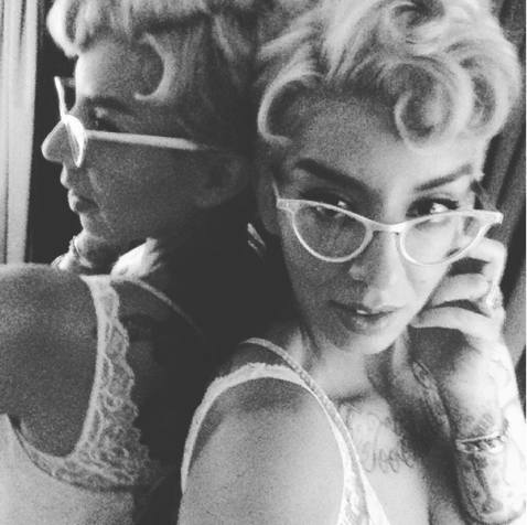 fulltime-lingerie-black-and-white-vintage-glasses