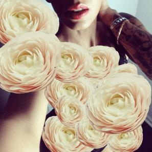 fulltime-lingerie-como-la-flor-self-portrait