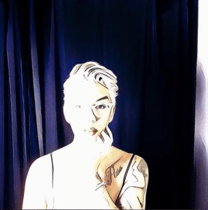 fulltime-lingerie-prisma-app-selfie