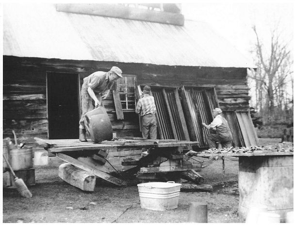 Leonard Fulton and two workers cleaning dishes - 3rd GEN