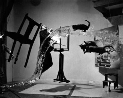 dali-and-flying-cats-by-philippe_-halsman-web