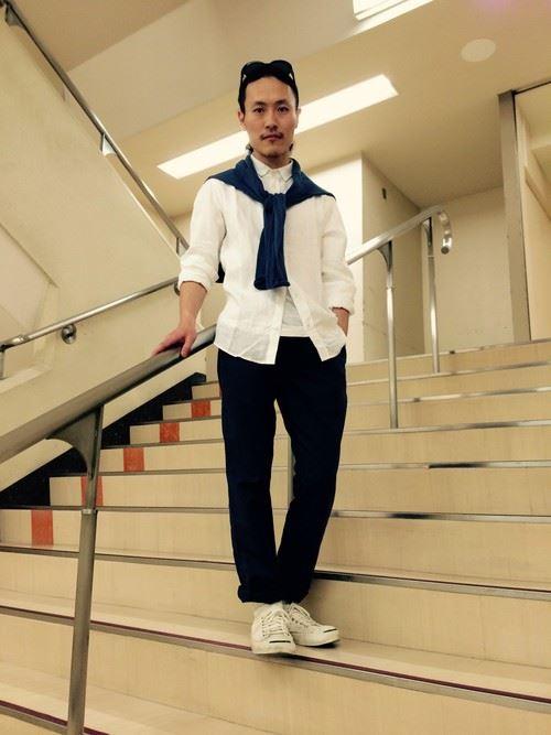 白リネンシャツの春夏メンズコーディネート画像10