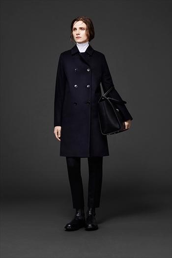マッキントッシュ(Mackintosh)ハンドバッグとドレスシューズの着用レディース画像