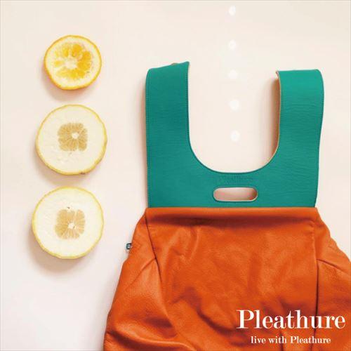 服のようなバックパックを作るモスクワブランド「Pleathure」の画像5