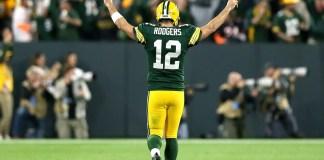 O futuro de Aaron Rodgers pode ser parecido ao de Tom Brady, Favre e Joe Montana, e o quarterback dos Packers pode encerrar sua carreira fora de Winsconsin?