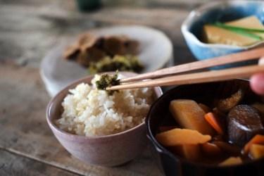 もち麦と玄米どっちが痩せる?カロリーや効果の違いを紹介!