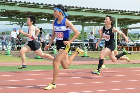 県央地域中学校陸上競技大会中学女子3年100m