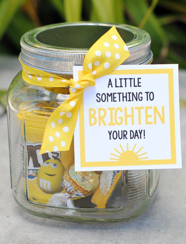 Cheer Up Gifts-This cute brighten your day gift idea is so simple and so fun! Fill a jar or gift basket with all sorts of yellow things and add this cute brighten your day tag to really cheer up a friend! #gifts #giftbaskets
