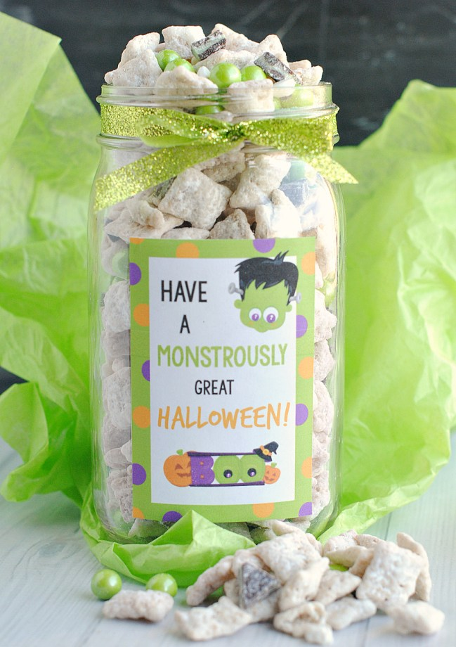 Muddy Buddies Halloween Gift In a Jar