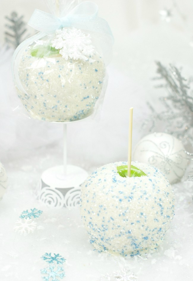 Snowball White Chocolate Caramel Apple Gift for Friends at the Holidays
