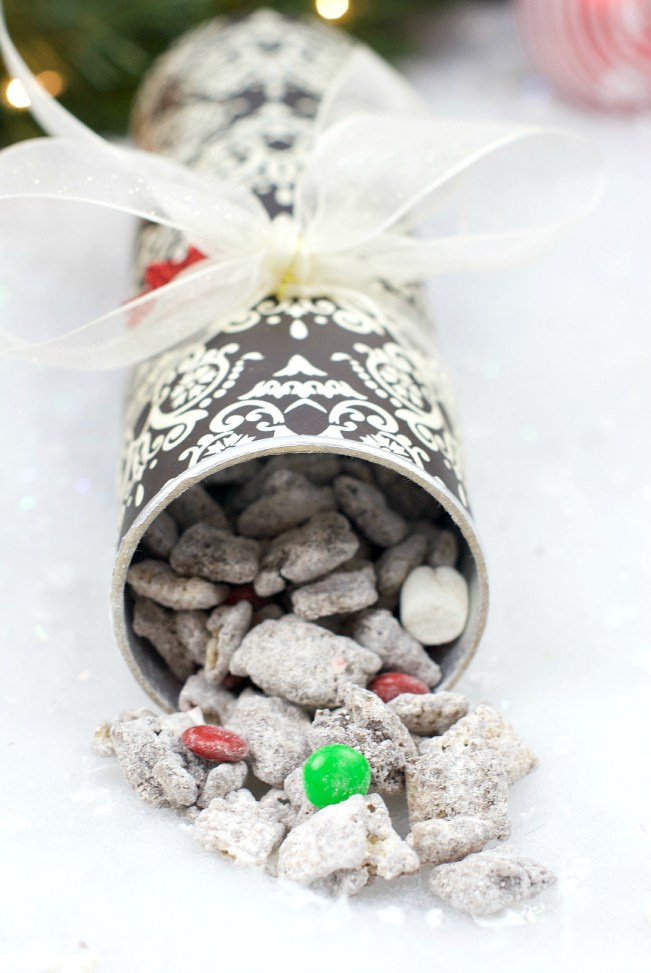 Muddy Buddies in Pringles Can Gift Idea