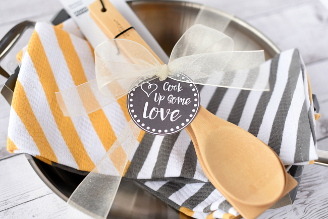 Unique and Creative Wedding Gifts