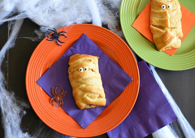 Halloween Breakfast Mummy Sandwich