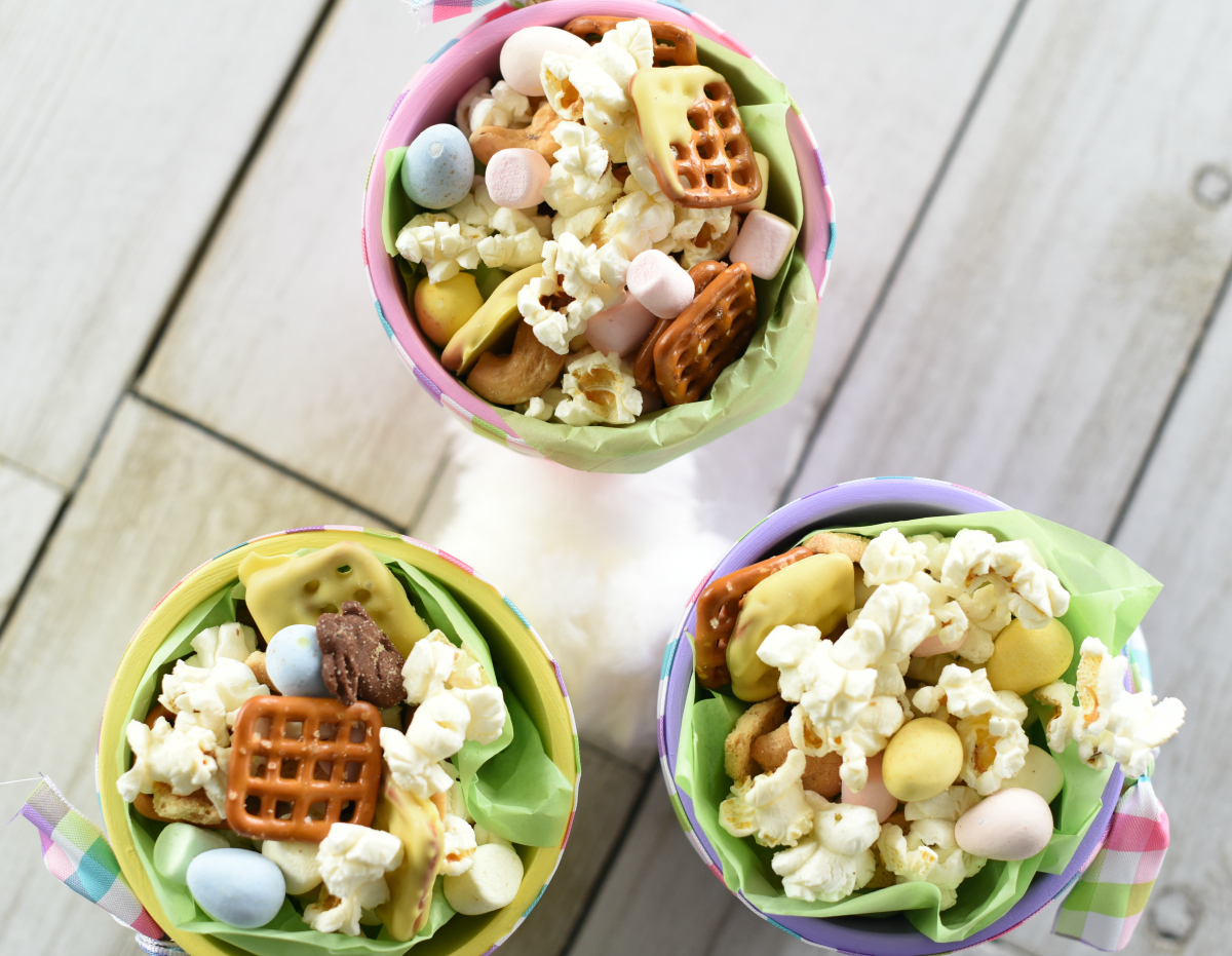 Easter Snack Mix in Cute Easter Pots